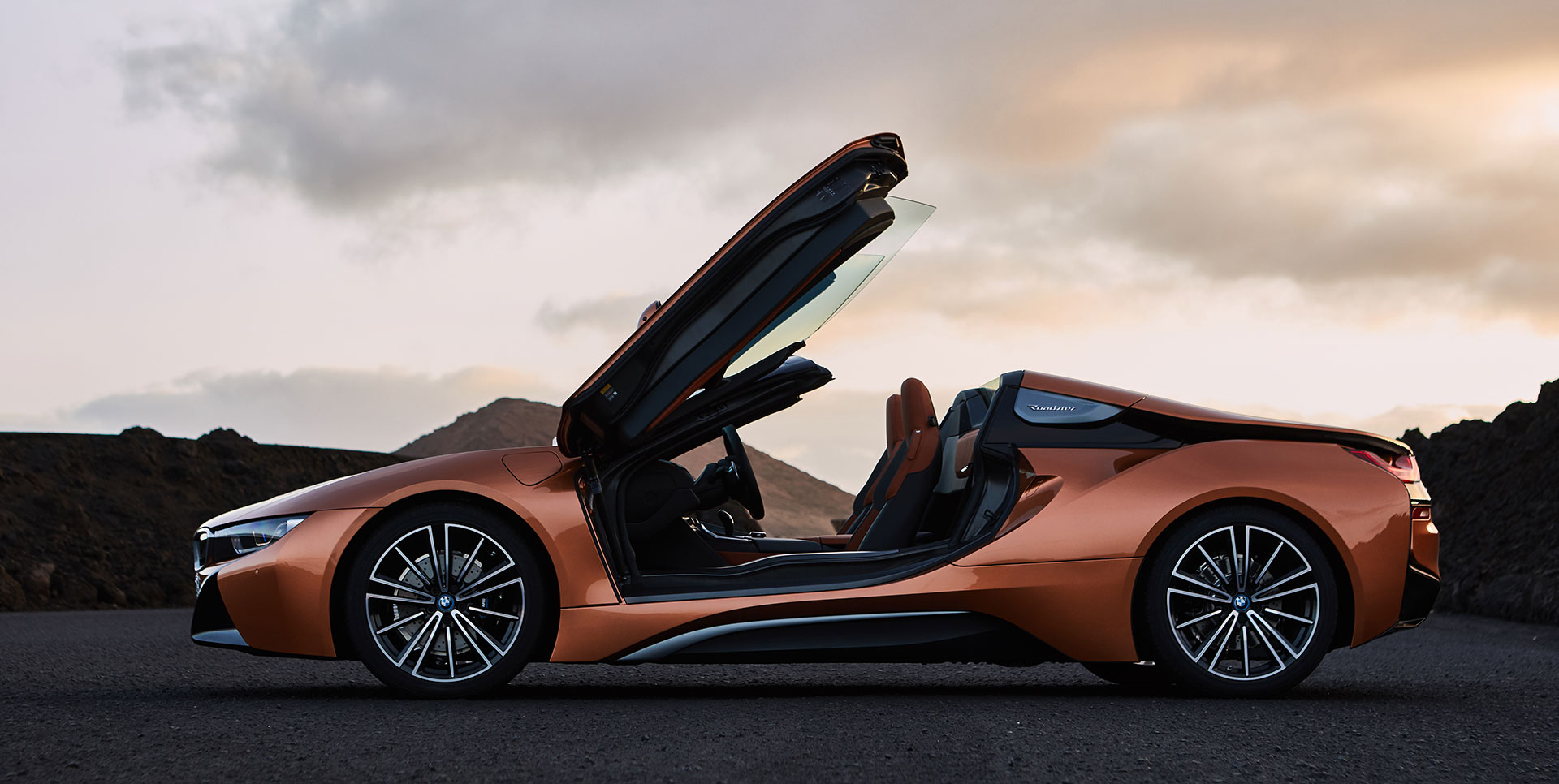 All About the new BMW i8 Roadster & the new BMW i8 Coupe