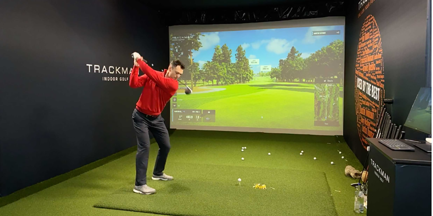 Golf Players Compete in BMW Indoor Invitational Virtual Tournament for Coronavirus Charity