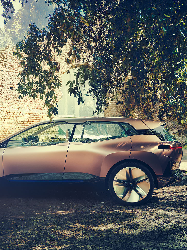 A Glimpse on BMW Vision iNEXT